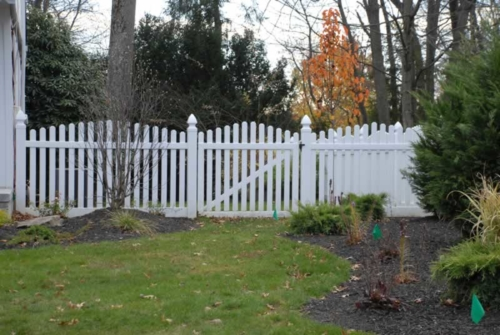 """Crowned 3"""" Picket with Gothic Post Caps and Matching Gate"""